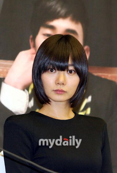 黑白酷姐裴斗娜丨赏色姜素拉