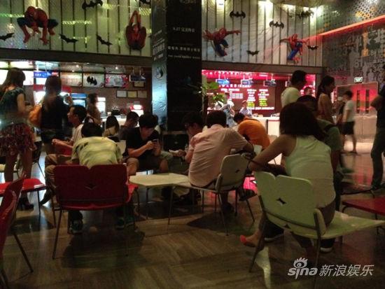 上海观众在等《普罗米修斯》零点首映