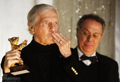 组图:电影音乐大师莫里斯-雅尔获颁终身成就奖