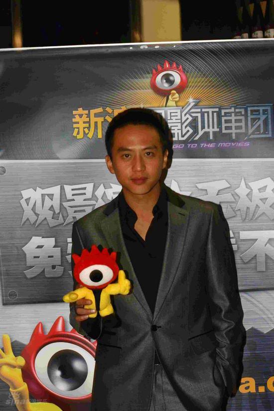 图文:《集结号》观影团--主演邓超亮相
