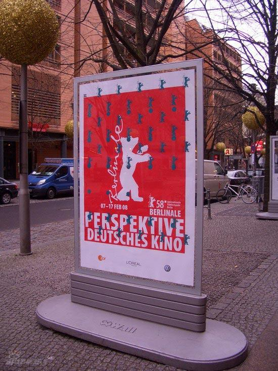 图文:柏林电影节倒计时--印有金熊的大海报