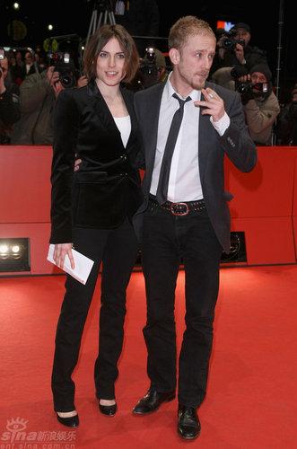 图文:柏林电影节闭幕-安吉和福斯特并肩亮相