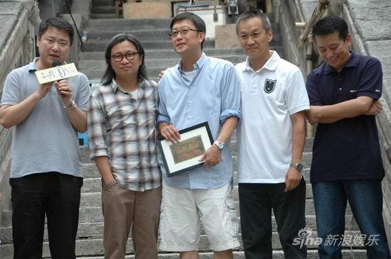 Andrew Lau received a 1905 HK$10 bill as a reward and commemoration for his efforts