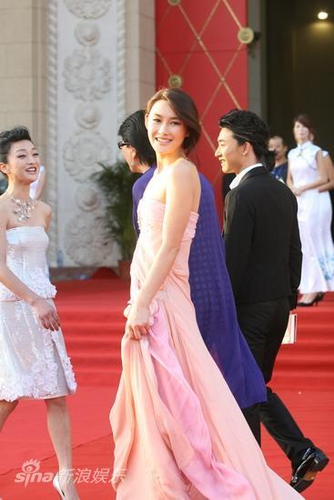 图文:第13届华表颁奖红毯-《孔子》主演陈瑞