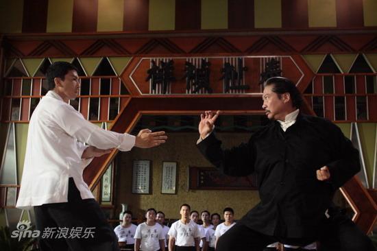 图文:《叶问2》上海探班-甄子丹洪金宝精彩对决