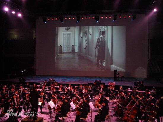 图文:澳门电影节开幕-澳门青年交响乐团演奏