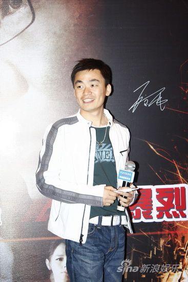 图文:《火龙对决》发布会-王宝强笑容憨厚