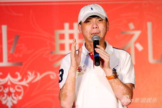 图文:华谊影院开业-冯小刚受访