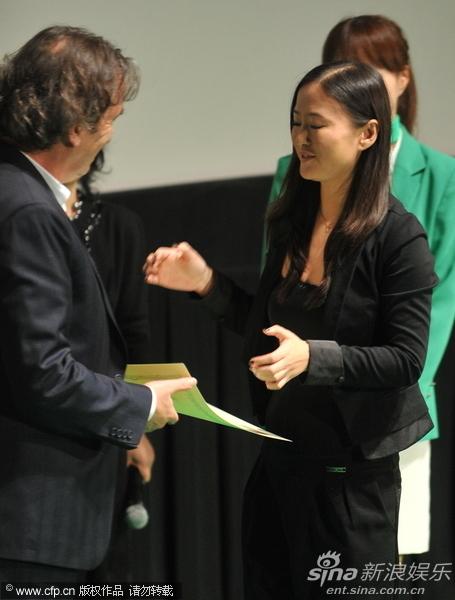 图文:东京电影节颁奖-《观音山》获最佳艺术贡献奖