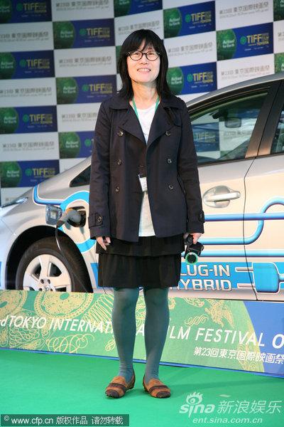 图文:东京电影节颁奖礼-申秀媛步上绿地毯
