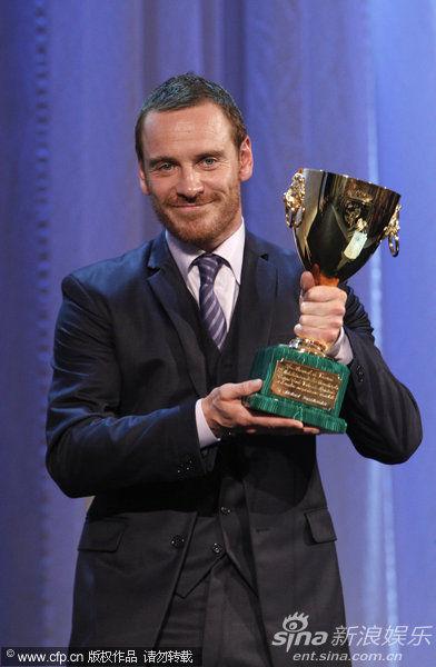 《羞耻》男主角迈克尔・法斯宾德(Michael Fassbender)获最佳男演员奖
