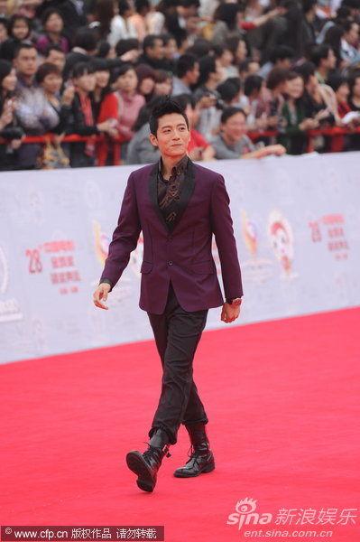 第28届金鸡奖红毯 成熟男人与魅力小生的大碰