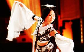 高清组图:《神话》热播 白冰水袖飞舞仪态万千