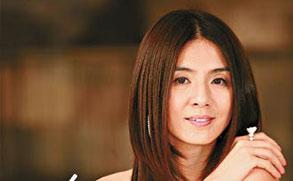 杨采妮初执导演筒 向4大名导偷师