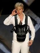 第79届奥斯卡金像奖-主持人艾伦上台装束搞怪
