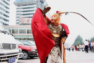 独家剧评:《魔幻手机》中国科幻剧的蹒跚学步