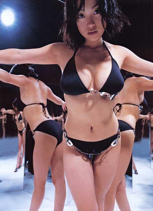 日本模特小向美奈子曝女星副业是卖春(图)