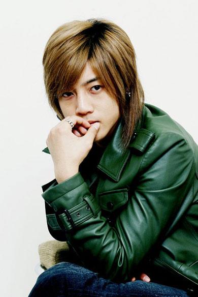 韩娱每周一星:金贤重偶像歌手的演员宣告式