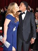 玛丽亚凯莉和老公热吻