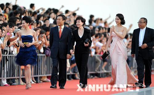 新华网:金鸡百花电影节的尴尬与平淡值得同情