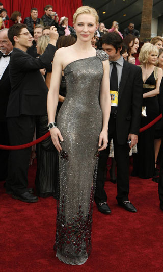盘点07好莱坞女星红地毯秀--凯特-布兰切特