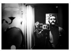 周润发香港开摄影展:黑白照片如陈年果皮(图)