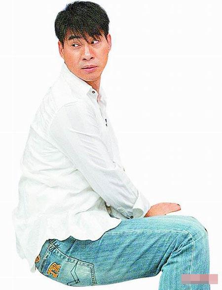 传俞小凡逼翁家明签保证书再偷吃罚巨款(组图)