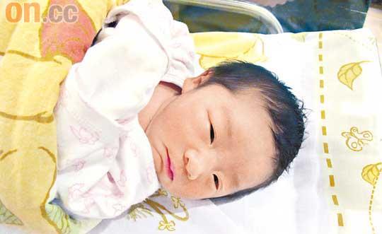 徐淑敏视女儿为太阳首次喂母乳身体复原快(图)