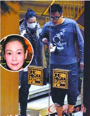 刘若英和钟小江约会曾被拍到。