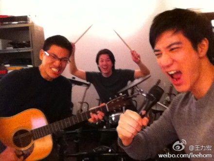 王力宏王氏三兄弟玩摇滚