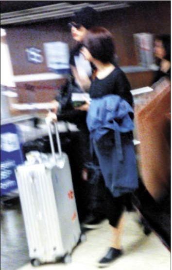 杨丞琳与王子被拍赴夏威夷度假