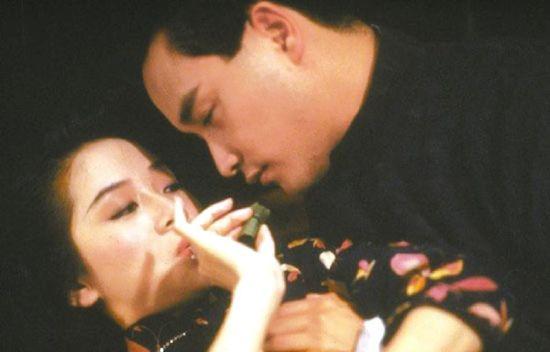 关锦鹏的《胭脂扣》,让张国荣和梅姑生死相依。