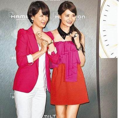 吴亚馨与母亲