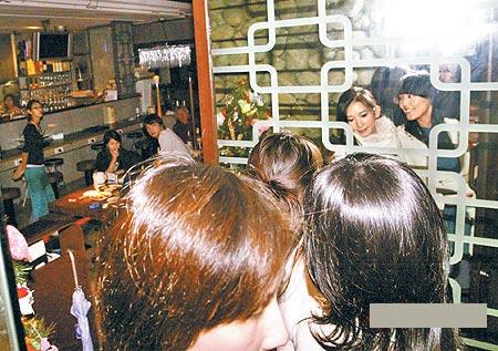 林志玲08年不想结婚想要健康欣赏刘晓庆(组图)