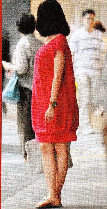组图:黎姿孕妇相挺大肚逛街被疑怀四月身孕