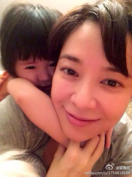 郭羡妮和女儿
