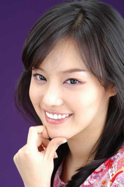 金雅中接下22个广告跻身韩国最红明星行列(图)