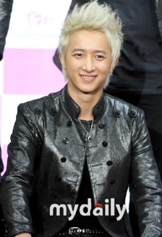 韩庚律师接受采访答疑称起诉原因是协议不公正