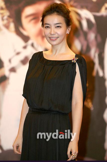 韩国女星朴善英宣布婚期5月29日举行婚礼