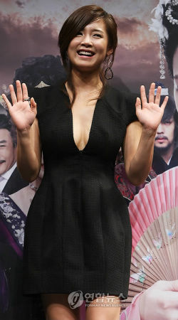 韩国偶像明星李相允南相美公布恋情假戏成真