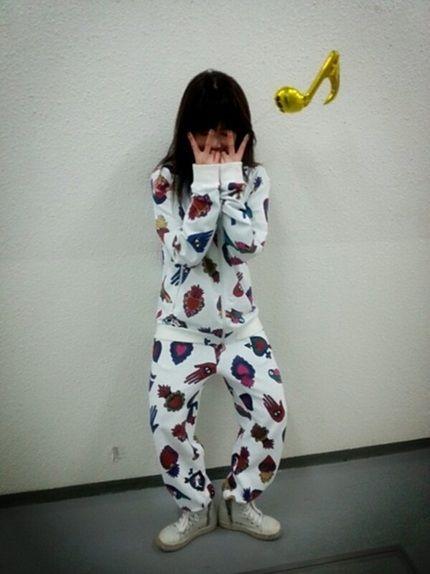 韩国女团组合4minute[微博]成员泫雅公开了运动服