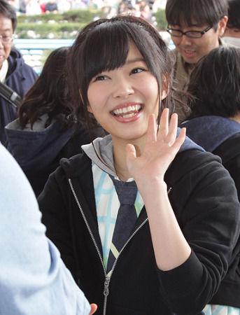 48指原莉乃参加富士台综艺节目《iitomo》直播,被资深主持墨镜大叔