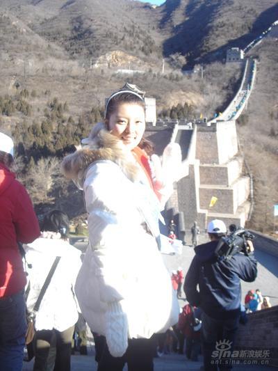 国际小姐刘飞儿参加慈善活动