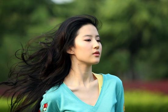 刘亦菲富豪教父身份曝光揭秘真实的15年(图)
