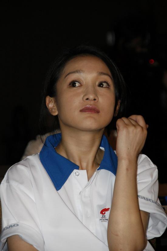 周迅将在上海传递奥运火炬手祈福灾区人民(图)