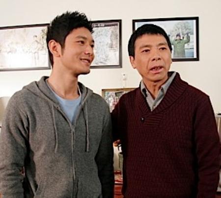 冯小刚黄晓明首度搭档演父子(图)
