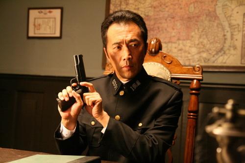《上海迷案-1937》郑晓宁对保剑锋拔枪相向