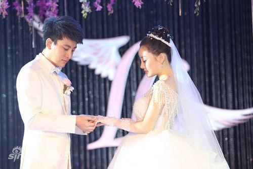 7月6日,贾乃亮李小璐在北京举行婚礼。