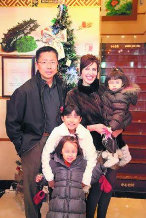 李阳与妻子女儿
