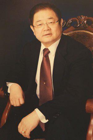 刘晓庆团队公布的William先生照片